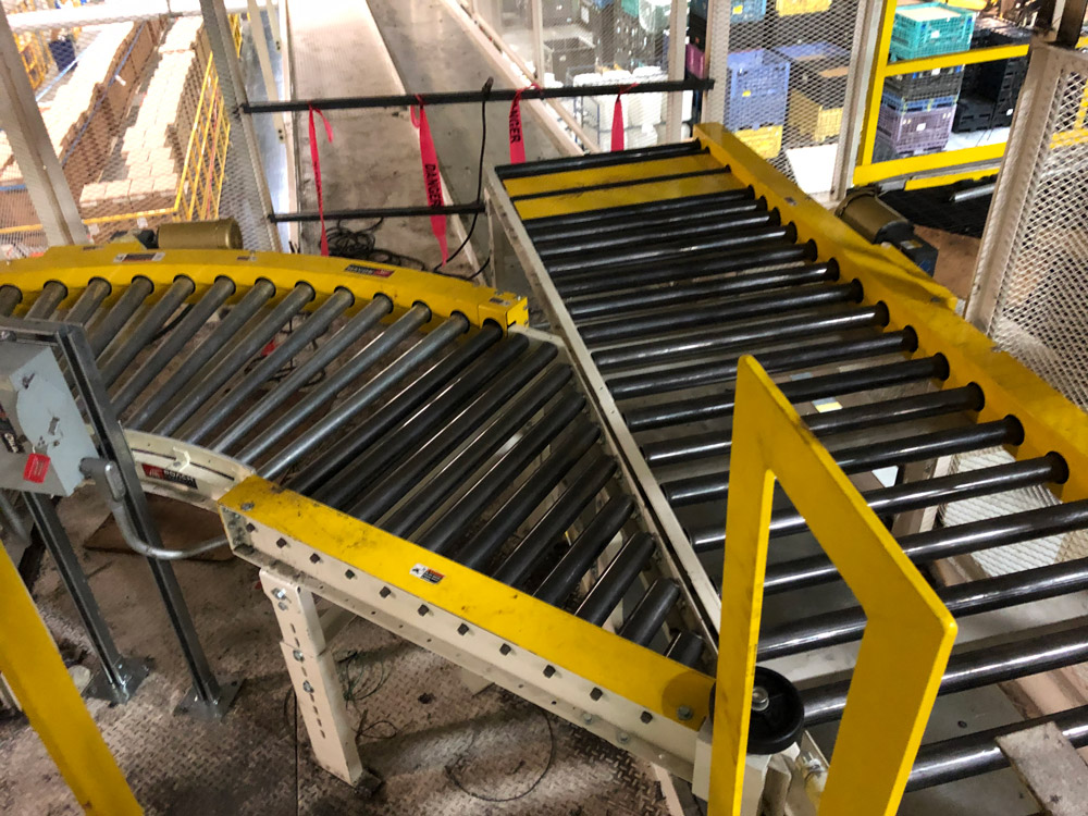 intersecting conveyors